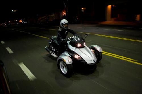 can-am-spyder-roadster-rod3