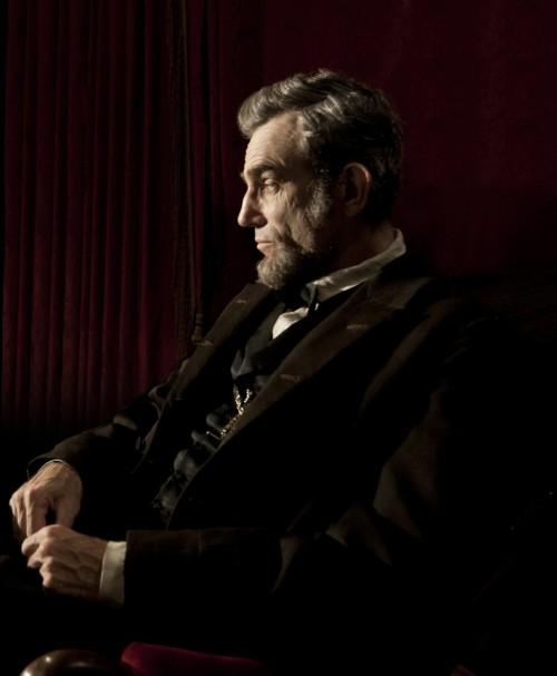 Daniel-Day-Lewis-in-Lincoln-2012-Movie-Image1-e1345647954541