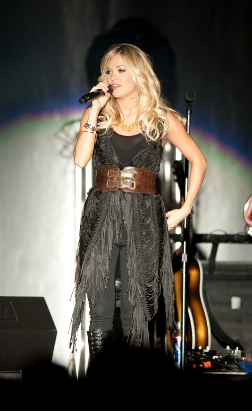 Carrie_Underwood_in_April_2011_(3)